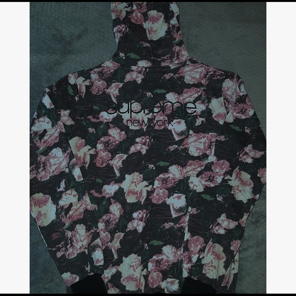408680c10 Supreme Sweaters